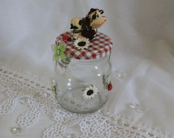 Pretty glass jar decorate on the theme of the Meadow