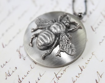 Locket Necklace, Silver Locket Necklace, Bee Locket Pendant, Vintage Style Locket Necklace, Bridesmaid Jewelry, Christmas Gift for Women