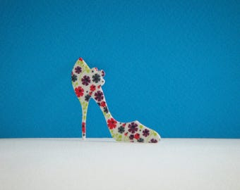 Cutout paper napkin collage heel flowers
