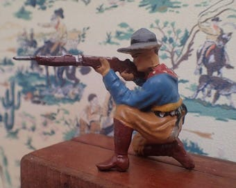Wild West Elastolin toy figurine (1940/50's) Cowboy kneeling with rifle