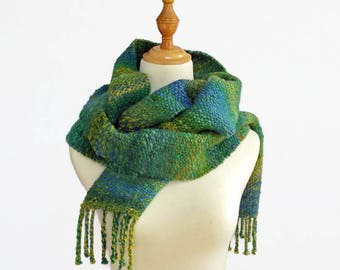hand woven scarf,  green blue scarf, winter scarf, chunky scarf, art yarn scarf, hand spun scarf, handmade by SpunWool