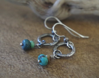 Arizona turquoise hoops - Hand forged fine Silver dangles with Turquoise gemstones - Boho earrings - Petite circles