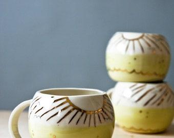 einzigartige Kaffeebecher, sonnige Plätze, gelb und gold Porzellantasse, große Tasse, Kaffeetassen, handgemachte Keramik-Becher, Keramik und Keramik