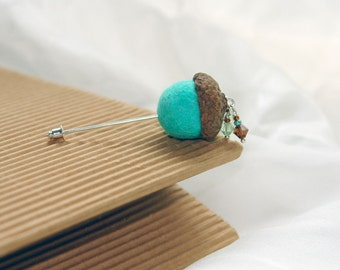 Felt Acorn pin, The Cute Acorn- to wake up for new day, Hand felted pin, acorn brooch, boutonniere, mint brown, real acorn cap