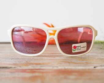Vintage Sunglasses Off White with Mirror rose Tinted Lens New Old Stock Made in Taiwan 1980's Cheap!!