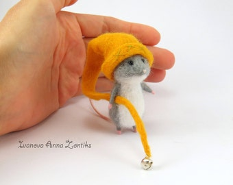 Tiny mouse, Needle Felted Animal, Felt toy, mini needle felted mouse, miniature mouse, felt mouse, mouse for dollhouse