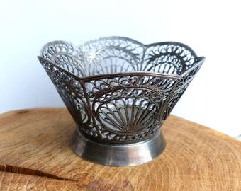 Beautifully Ornate Silver Plated Filigree Bowl Vintage candy Bowl Candy Dish / sweet cup bowl / silver candy dish / Wire Basket