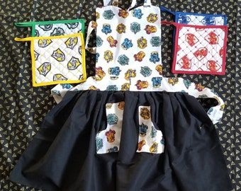 Hogwarts Houses Full-Apron with Potholders