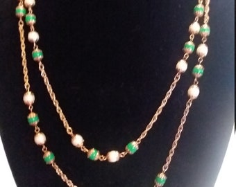 Green and white bead chain necklace