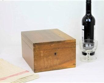 Vintage Wooden Box/Hobbs & Co, London Lock/Wooden Storage Box (Ref1996Q)