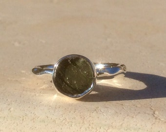 Raw Stone Ring, Raw Moldavite Ring, Silver Gemstone Ring, Rough Natural Gemstone, Rough Moldavite Ring, Natural Gemstone Ring