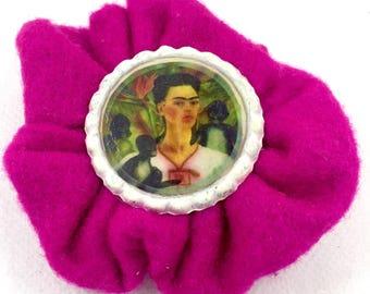 Felt brooch and creative reuse bottle caps Frida Kahlo