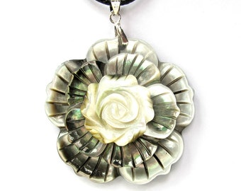 Sea Shell Design Three-Layer Flower Pendant Necklace Jewelry 42mm*10mm  T3193