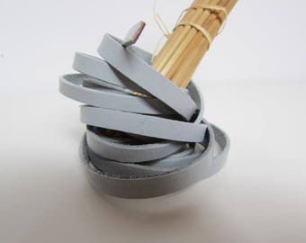 90 cm Strip 0.6 cm flat genuine dyed grey leather - 47