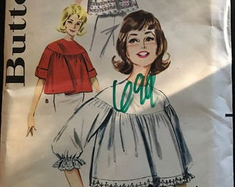 Butterick 9981 - 1960s Quick and Easy Yoked Angel Top Blouse - Size Medium Bust 34 36