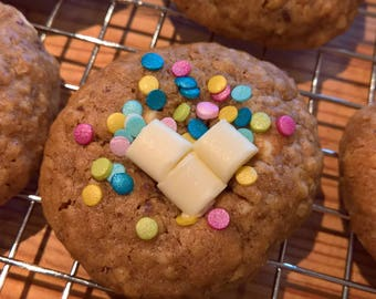 28 Biscoff & White Chocolate Lactation Cookies