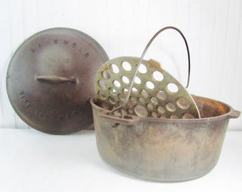 Griswold number 10, Cast Iron Pan, baster, Dutch oven, antique iron pan, vintage cast iron, antique cast iron, Erie PA. USA, 704 K