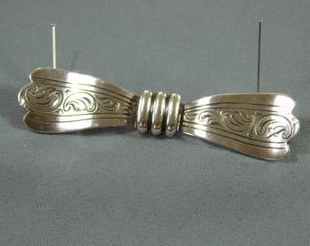 Silver Bow Brooch by Teka/Handarbilt