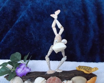 Frog SeaShell Sculpture
