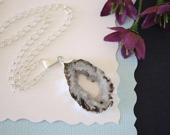 Geode Necklace Silver, Crystal Necklace, Geode Agate Slice, Boho Jewelry, Druzy Pendant, Vegan, Silk Jewelry, Natural Geode, GS54