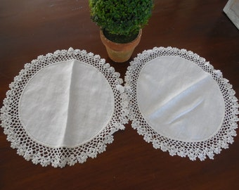 Round Lace Doilies Set of 2