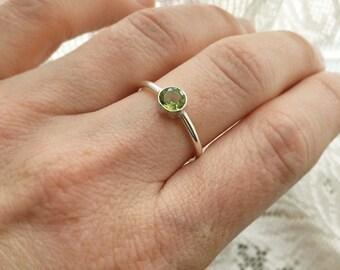 Silver Peridot Ring, Peridot Stone Ring, Stackable Stone Ring, Round Stone Ring, August Birthstone, Size 7