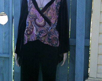 Vintage Myer Miss Shop velvet and polyester paisley top.  Size 10