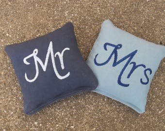 Personalized Wedding Cornhole Game Bags - Mr & Mrs Bags - Set of 8 Shown in Navy Blue and Light Blue - Great Gift!!