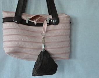 handbag two-tone pink and chocolate, closure and matching purses
