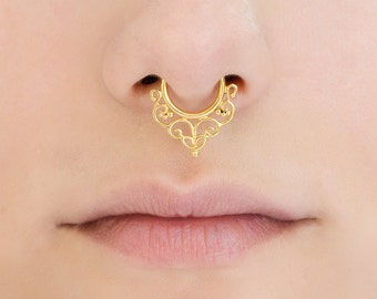 Fake gold Septum Ring. septum piercing. septum ring. faux septum. fake septum. septum ring 18g. faux septum ring.fake septum ring