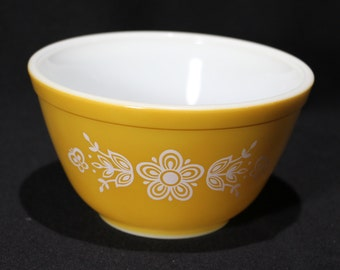 Vintage 401 Butterfly Gold Pyrex Mixing Bowl, 1.5 pint