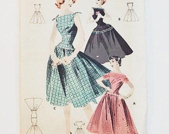 Simplicity 7636 Teen Dress Pattern | 50s Day Dress Pattern | 50s Sewing Pattern