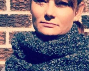 Crochet infinity scarf, chunky infinity scarf, chunky scarf, chunky circle scarf, chunky cowl scarf, crochet circle scarf, winter scarf