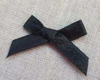 Set of 10 35 mm black satin ribbons