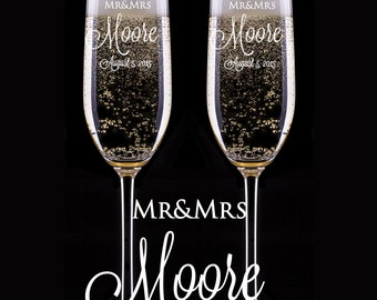 Wedding Champagne Glasses, Engraved Champagne Flutes, Personalized Champagne Glass,  Custom Toasting Glasses, Wedding Gift, Bride and Groom