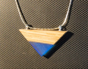 Minimalist necklace of resin and wood-blue, red, orange, yellow