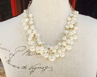 Pearl necklace in Ivory pearls, rhinestones and crystals, statement necklace, bridesmaid necklace, chunky pearl necklace