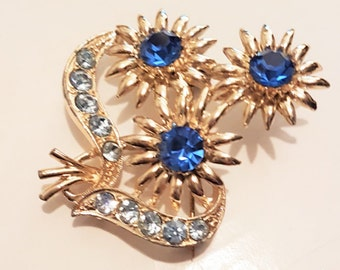 Vintage 1950s brooch, flower shawl pin, faux sapphires pin, blue crystal,  rhinestone scarf pin, sweater broach, lapel pin, 1950s vintage