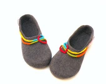 Felted wool slippers for women - handmade wool clogs - grey rainbow colorful slipper - wool clogs, valenki, houseshoes, warm bedroom slipper