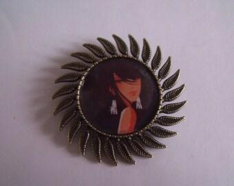 CLEARANCE brooch round bronze Sun pattern woman