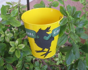 Final Fantasy VII inspired Chocobo feed bucket for Gyshal Greens