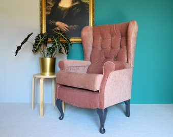 Gorgeous dusty pink blush velour vintage retro wingback armchair with buttoned back and seat//painted dark grey legs