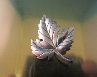 TIFFANY & CO sterling silver pin