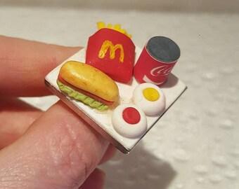 """Adjustable """"McDonald 's"""" Badue"""