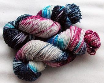 Handpainted  DK Sock Yarn, 75 Wool , 25 Nylon 200g 7.0 oz.  Nr. 160