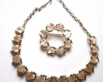 Vintage 1950s 50s Gold Tone Jewelcraft Coro Thermoset Necklace Brooch Set