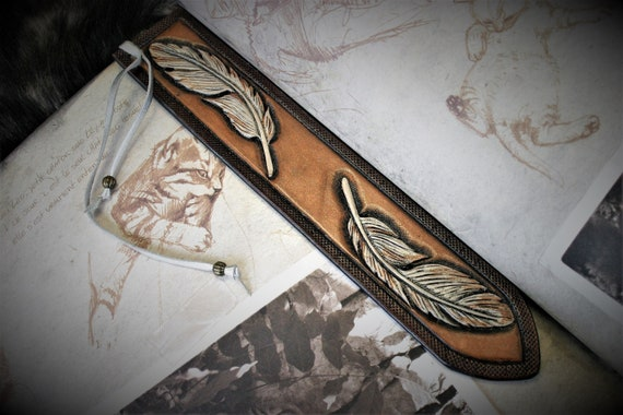 Leather bookmark, feather bookmark, embossing leather, fantasy, reader's gift, book accessory