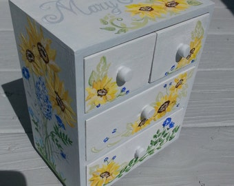 custom hand painted personalized  jewelry box, any design and color, flower girl gift, bridesmaid gift, first communion gift
