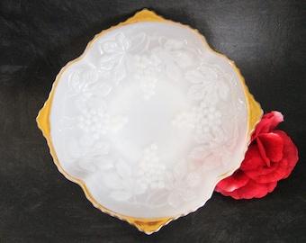Anchor Hocking Paneled Grape Milk Glass Pedestal Base Serving Bowl With Gold Trim