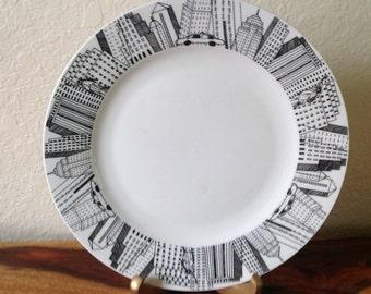 """PAIR~MANHATTEN~Skyline~ 10.5""""~ DINNER~Decorative~Serving~Plates"""